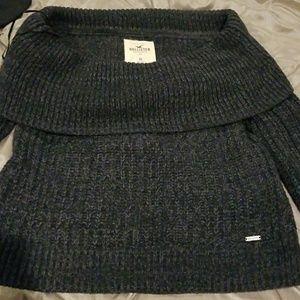 Grey short neck sweater